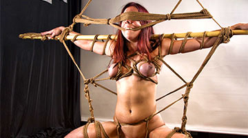 Tricky knots strangled a woman during a Japanese Shibari workshop